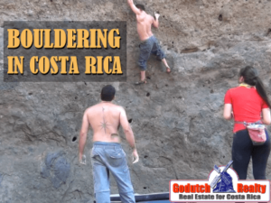 Bouldering in nature in Costa Rica