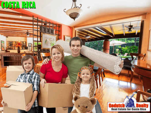 Should the seller move out before closing on Costa Rica property?