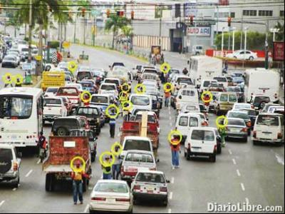 What can happen at the traffic light in Costa Rica?