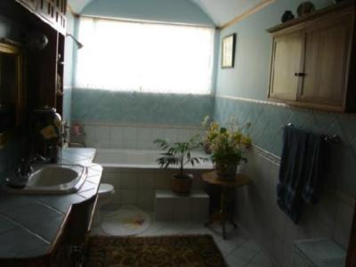 Do Costa Rica listing agents pay attention to bathroom listing photos?