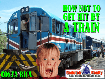 2 Ways to not get hit by the train in Costa Rica