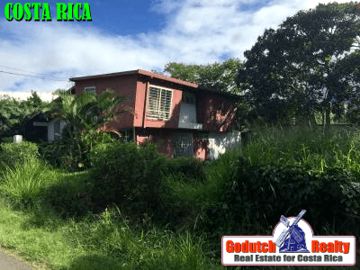 The unkempt house for sale in Costa Rica