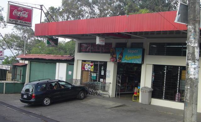Mom and pop store in San Antonio de Escazu