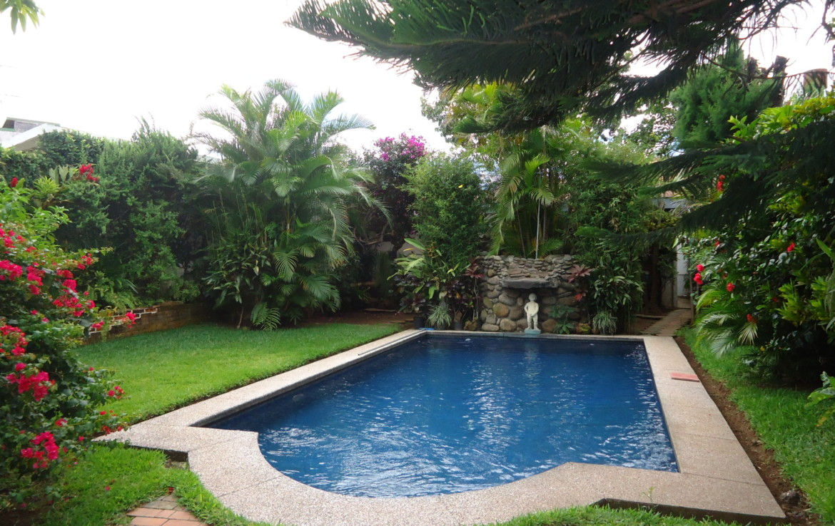escazu mature singles Welcome emerald forest properties  mature trees and plantings,  there are not many gated/guarded single family home developments in escazu .
