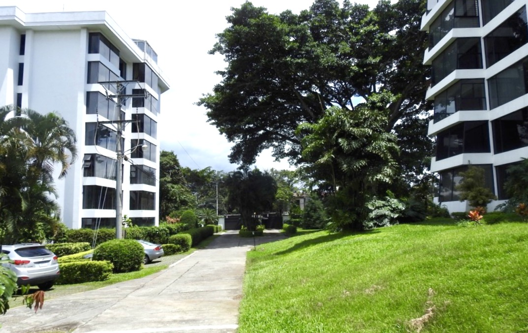 Amazing Escazu view 5th floor condo for sale at great price